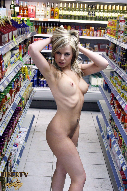Girls Flashing Boobs In Walmart
