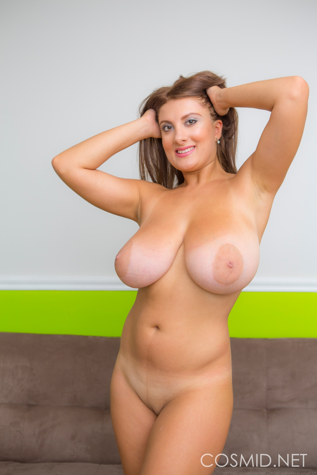 Huge massive natural boobs bounce in slow motion 2